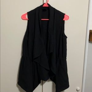 Black cinched waist cargo vest size small